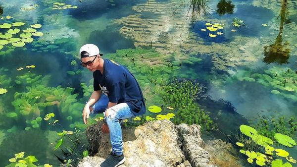 Hồ thủy sinh đẹp như thủy cung thu nhỏ ở Sa Đéc, thu hút giới trẻ đến check-in