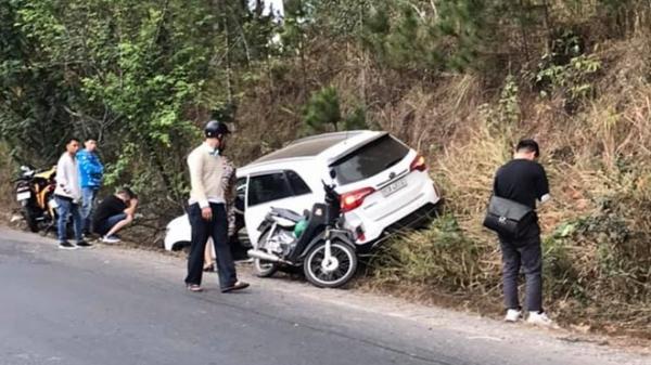 Bị xe ô tô tông trên đèo, cô gái đang mang thai tử vong thương tâm