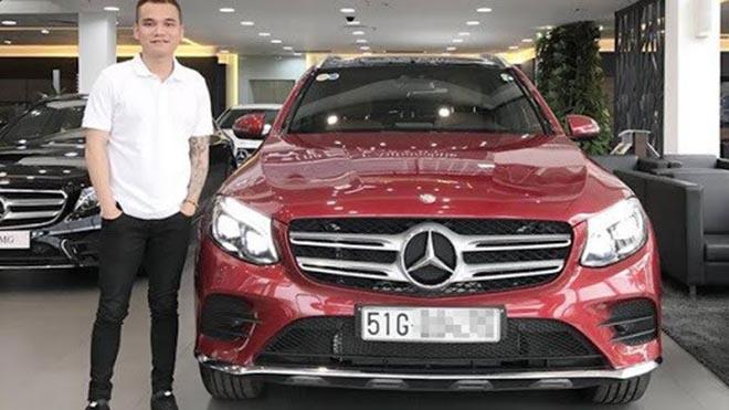 Cách đây 4 năm, Khắc Việt đã sở hữu nhà cao cấp, xe hơi tiền tỷ.