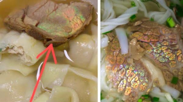 Đi ăn bắt gặp miếng thịt ánh lên sắc cầu vồng thì có nên vứt đi?