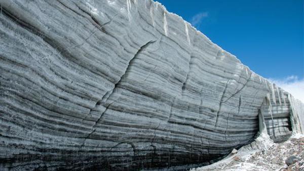 Sông băng 15.000 năm tuổi tan có thể giải phóng virus cổ xưa