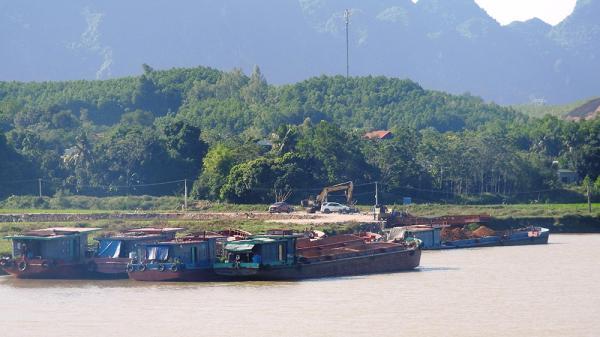 Hàng chục bến thủy tại Ninh Bình hoạt động trái phép, mất ATGT