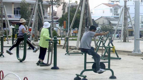Sóc Trăng: Lắp đặt các thiết bị dụng cụ thể dục ngoài trời tại các công viên, quảng trường