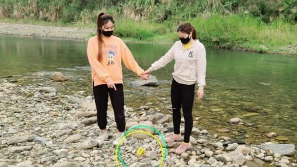 2 thiếu nữ nhập cảnh trái phép ở A Mú Sung