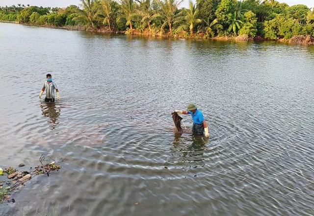 Vị trí người dân xã Ninh Hải phát hiện thi thể nam giới trôi trên sông Dầm, cạnh cầu Sắt thuộc địa phận thôn Bồng Lai. Ảnh: Đ.Tùy